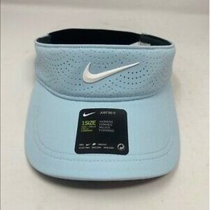 Nike Aerobill Golf  visor NWT  light blue